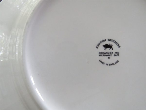 Dinner Plate Heritage White Octagonal by JOHNSON BROTHERS 2