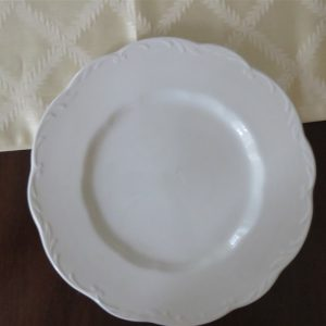 Dinner Plate Sterling Colonial English Ironstone by J & G MEAKIN 1